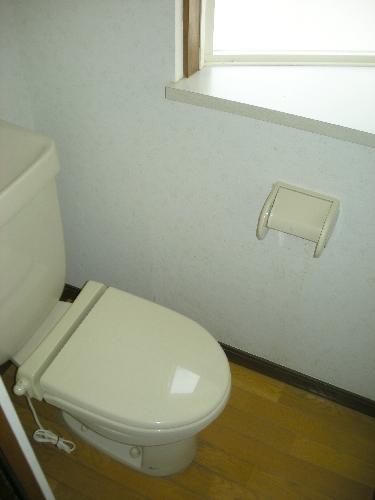 明るいトイレ